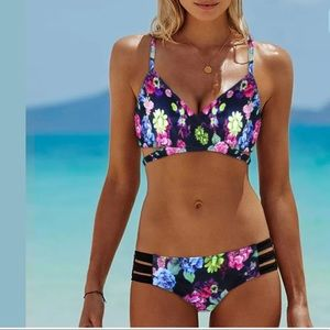 Other - NWT Multi Color Padded PushUp Bikini🌟